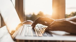 View article How Would Jesus Respond Online?