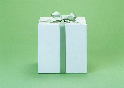 view the Image Gift Green2