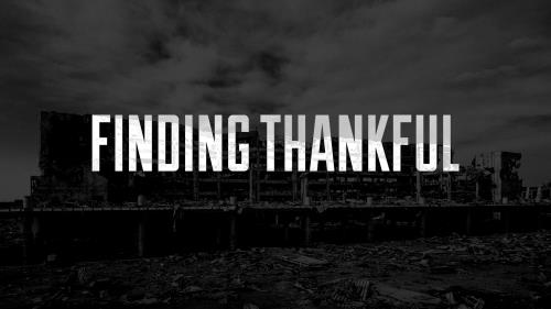Finding Thankful PowerPoint Template 2